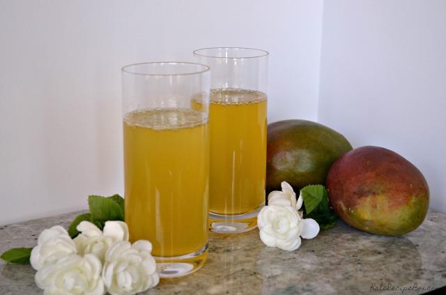 Mango Lemonade Cocktail 3